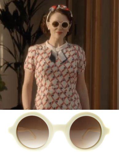 Retro Glasses in Upstairs Downstairs | Roope Vintage Blog