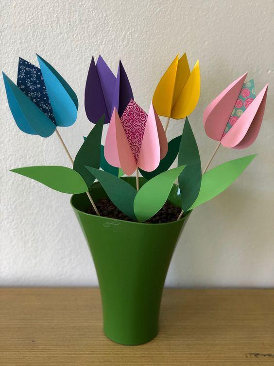 Tvorimo Z Ditmi Vesnyani Virobi Listivki Aplikaciyi Z Paperu 40 Foto Zhinochij Zhurnal Kolizhanka Flower Crafts Mothers Day Crafts Spring Crafts