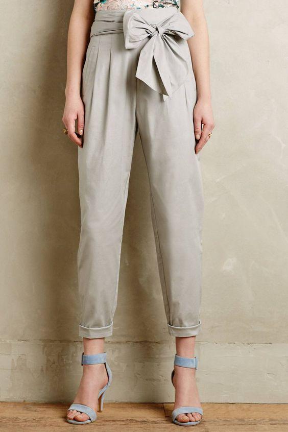 Pin for Later: 14 Vêtements Parfaits Pour un Été Stylé au Bureau  Cartonnier Pantalon Avec Ceinture Noeud (151€)