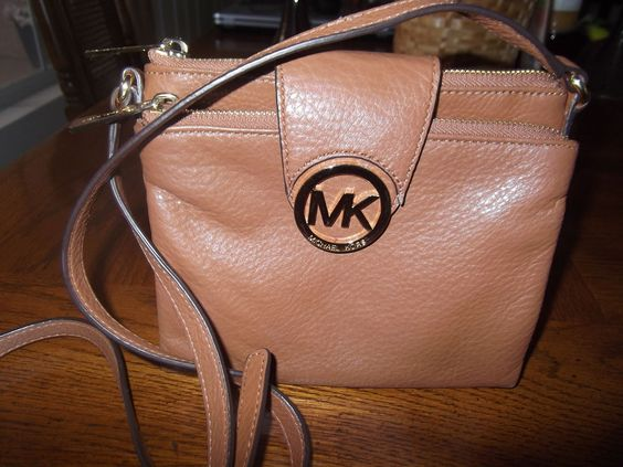 Michael Kors Fulton Large Crossbody Luggage color NWOT #MichaelKors #MessengerCrossBody