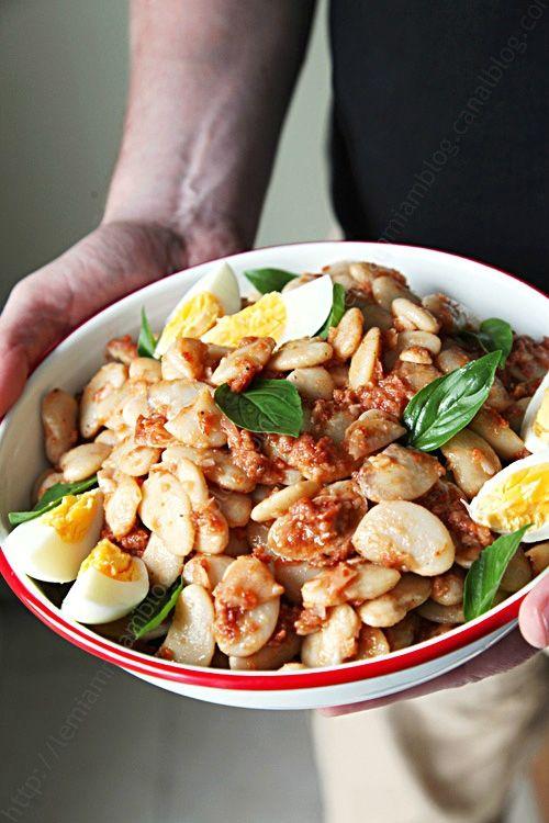 Salade de haricots blancs sauce vinaigrette à la tomate
