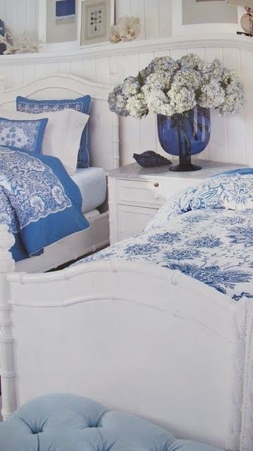French country bedrooms furniture and blue white bedrooms for French blue bedroom design