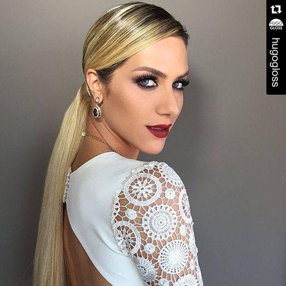 A nova coleção de maquiagens de Eudora já é sucesso entre blogueiros e famosas! Veja o make incrível que o nosso maquiador Lavoisier criou para a atriz Giovanna Ewbank usando o novo batom metálico Vermelho Jazz. #make #Eudora