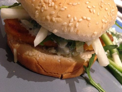 Kippenburger met limoen-koriander dressing (low calories!)