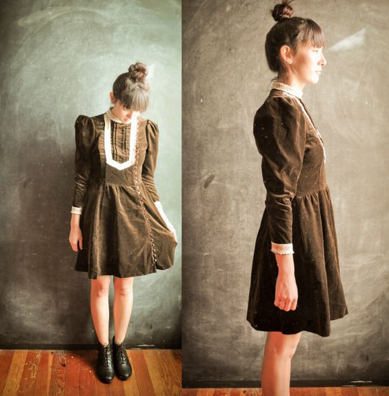 Vintage 1970s Dress Brown Velvet Lace Victorian by drowsySwords