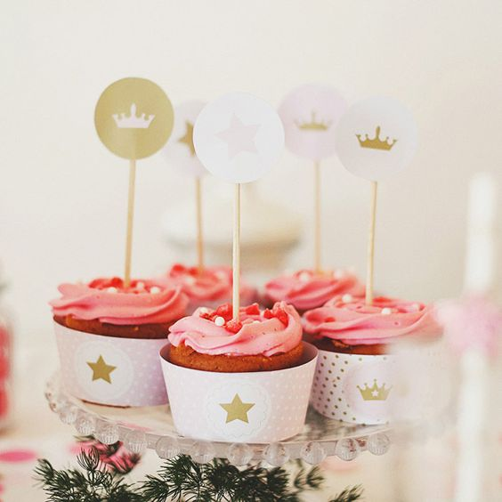 Cupcakes pour les princesses #mydoitbox #diy #cupcakes #deco #princesse #anniversaire #princess #birthday #party #glitter #paillettes #girly #littleprincess