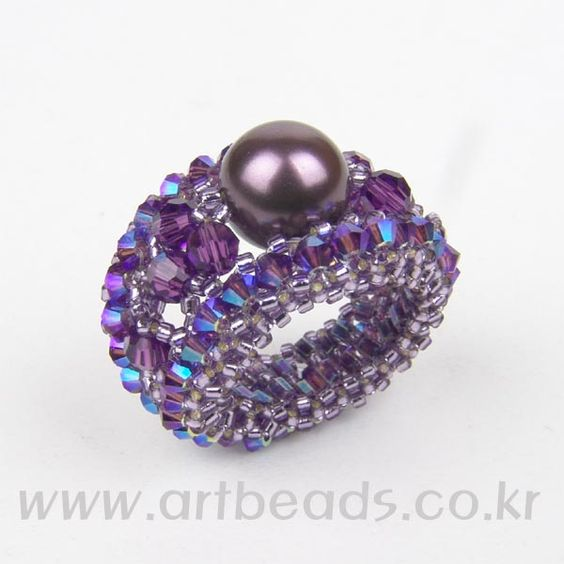 Scroll Ring With Pearl