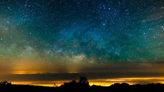 縮時攝影(間隔攝影)--Terje Sorgjerd,最新力作是在西班牙El Teide火山以及Grand Canary Island所拍攝的星空、雲海及景色。