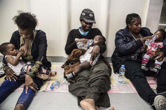 126 nigerianos repatriados desde Libia cuando querían cruzar a Europa.- El Muni.