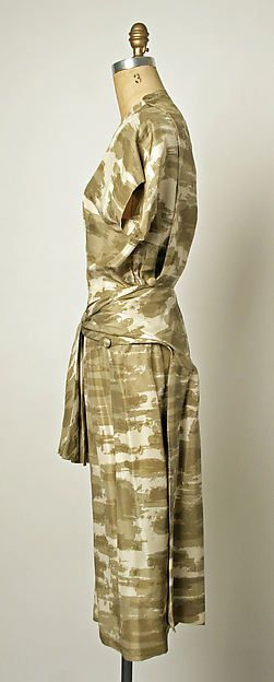Dress Design House: House of Balenciaga (French, founded 1937) Designer: Cristobal Balenciaga (Spanish, Guetaria, San Sebastian 1895–1972 Javea) Secondary Line: EISA (Spanish) Date: 1953 Culture: Spanish Medium: silk