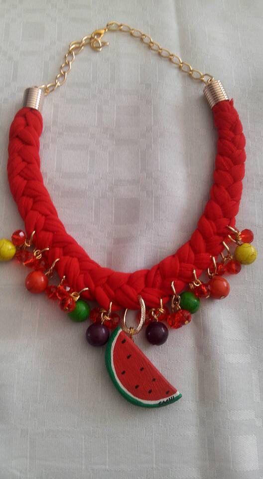 Manualidades en collares artesanales
