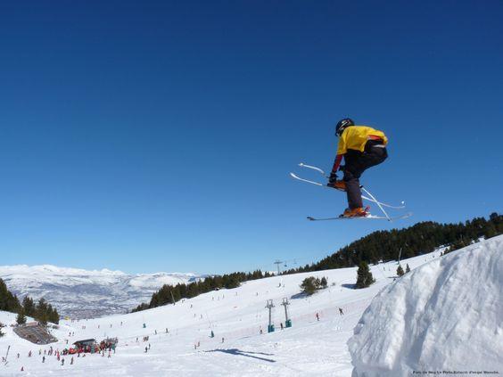 Лыжный спорт в Восточных Пиренеях.