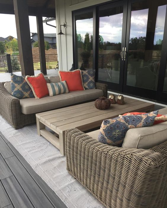 Perfect fall night in Colorado to enjoy a happy hour! #fortcollinsinteriordesign #fortcollins #restyledesign #outsidespaces #backdeck