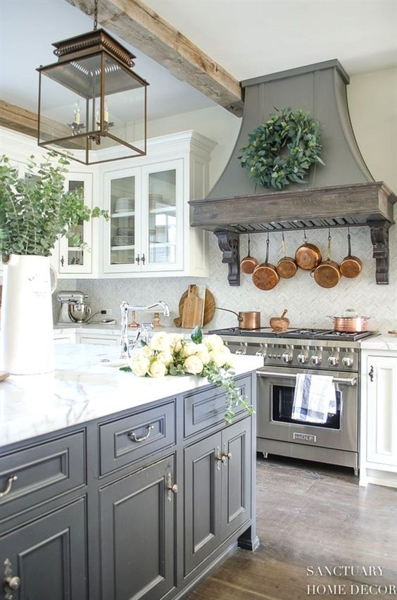 7 Most Popular Farmhouse Kitchen Ideas For Your Kitchen Design