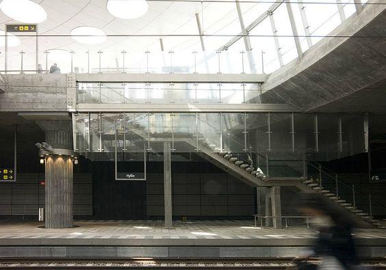 말뫼의 새로운 Hyllie 기차역은 TR 이상 UFO처럼 공중 선회 ...