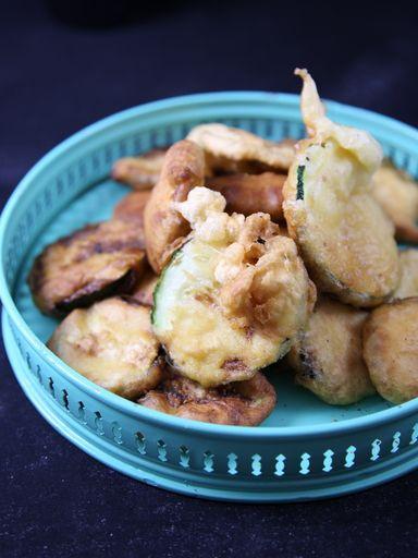 Vous voici la recette des tempura de légumes facile et rapide, trouvé sur Marmiton. C'est une recette qui est pas mal noté(4/5) même si évidemment, elle ne peut servir que d'accompagnement.