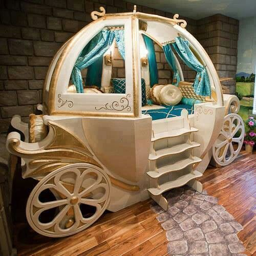 Camas y habitaciones de fantasía para niños - Carroza de Cenicienta