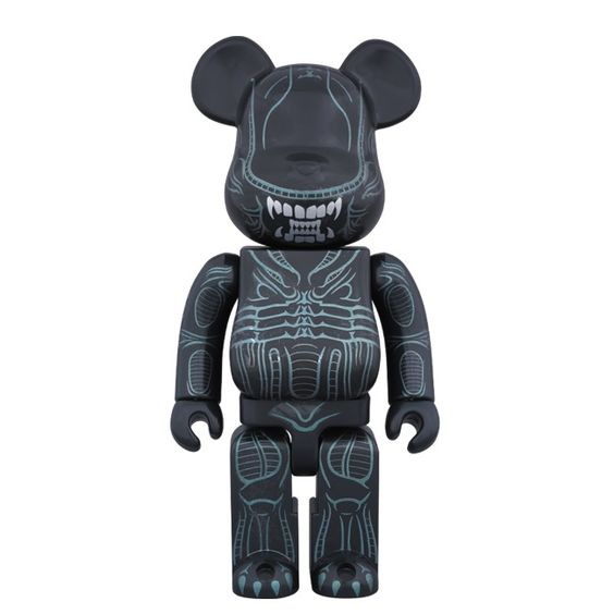 Alien Warrior 400% Bearbrick (May 2016) #alien #alienwarrior #bearbrick #medicom #fatsuma #fatsumatoys #medicomtoy #hrgiger #scifi #horror #awesome #cool #instacool #beautiful #beauty #amazing #love #instalove #fun #art #instagood #collectible #toy #new