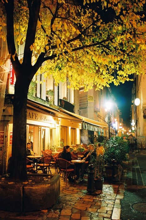 French cafe...can you hear the music?