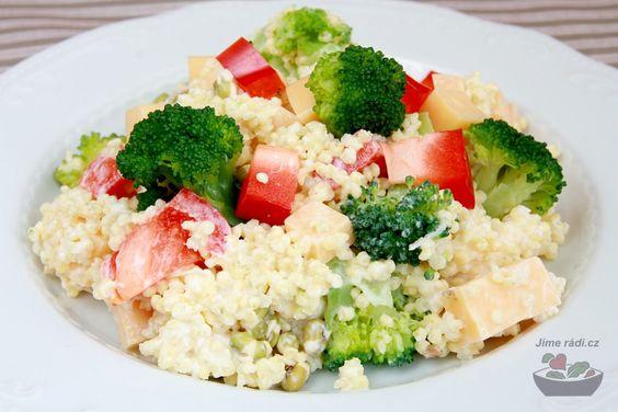 Jahelný zeleninový salát   Jíme rádi