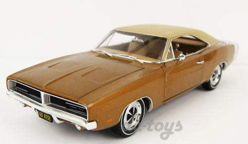 AutoWorld American Muscle 1969 Dodge Charger RT SE 1:18 Diecast Bronze AMM978
