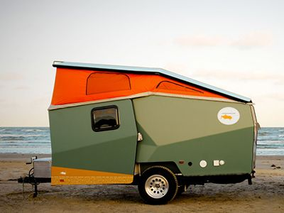 Cricket Trailer. The fruit of former NASA and International Space Station engineer Garrett Finney's architectural imagination, the Cricket is a lightweight caravan/tent hybrid that combines the mobility and convenience of the former, with the portability and environmental consciousness of the latter. #holidays #vacances