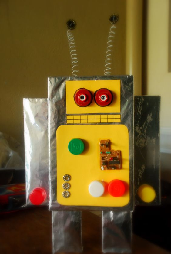 My son 39 s robot project made of recycled materials diy for Recycled items project ideas
