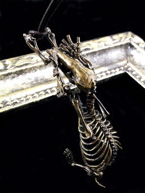 bone ネックレス モグラ全身骨格 | アクセサリー・セレクトショップ・Sipka-シプカ- オンラインショップ アクセサリーのネット通販を行っております