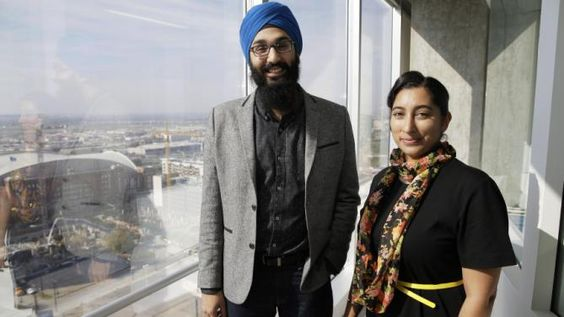 US Sikhs feel vulnerable, join with Muslims to combat backlash - http://thehawkindia.com/news/us-sikhs-feel-vulnerable-join-with-muslims-to-combat-backlash/