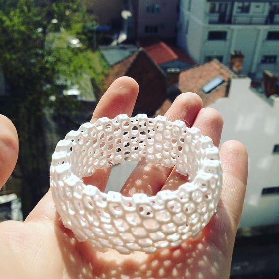 finished bracelet #unprintpezi #3d #3dprint #3dmodels #3dprints #3dprinting #3dprinted #bracelet #makeraddictz by florinbusuioc