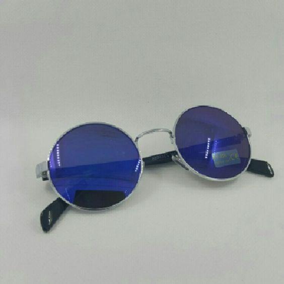 Round vintage unisex fashion sunglasses Round vintage unisex fashion sunglasses Silver frame blue mirror lens 58mm (88803cl) Accessories Sunglasses