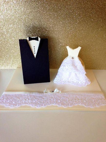 Convite feito em papel 180g, com parte interior impresso.      Porta bem casado noivos feito em papel