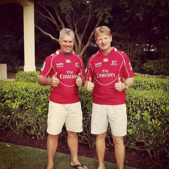 Ernie Els on the right. Guess who is on the left - an ex WP man :)