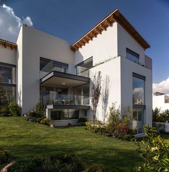 La Casa Bonita by Almazán Arquitectos Asociados