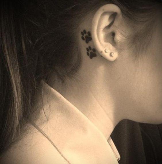 Pattes derri re l 39 oreille tattoos pinterest e tatouage tatouages et chiens - Tatouage femme derriere l oreille ...