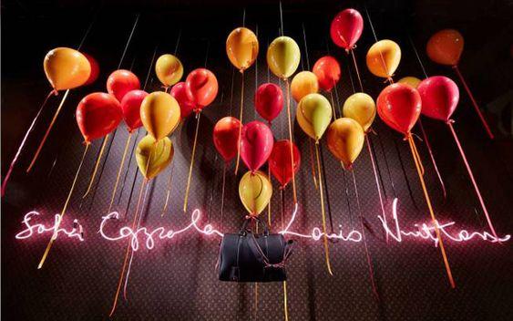 Decoración de escaparates con globos