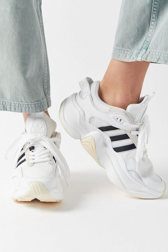 Adidas sneakers women