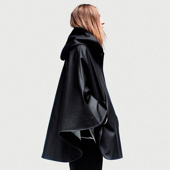 Öland - Black Rain Cape – Stutterheim Raincoats | WISH LIST