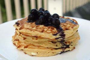 Light as a Feather Pancakes with Berry Sauce via @Diabetic Foodie