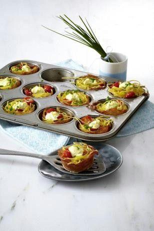 Das Rezept für Kleine Nudelnester mit Frischkäse, Tomaten und Schinken und weitere kostenlose Rezepte auf LECKER.de