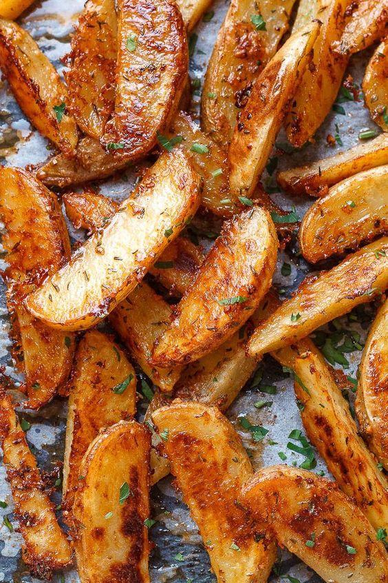 Extra Crispy Baked Garlic Parmesan Potato Wedges
