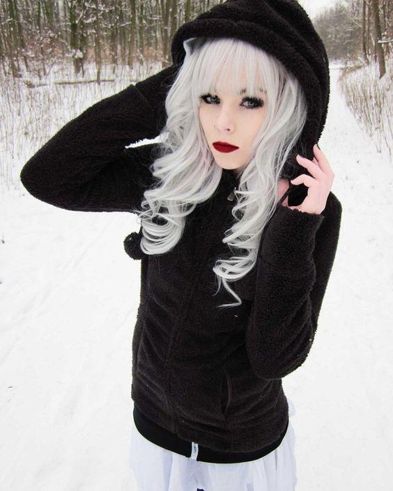 Photo Ira Vampira White Hair Blond Hair Black Hair Yellow