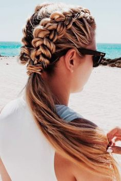 Cute And Easy Beach Hairstyles For The Summer Easy Beach Hairstyles Easy Summer Hairstyles Summer Hairstyles