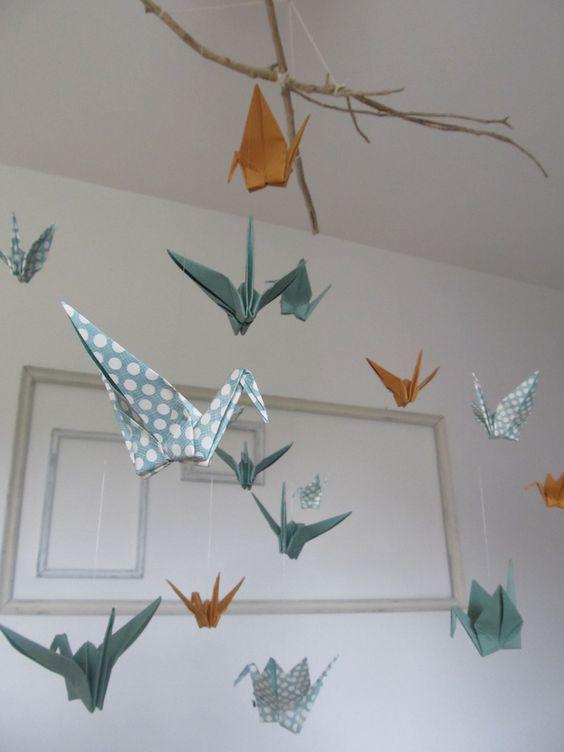 Mobile en origami avec 16 oiseaux couleur bleu turquoise à points ...