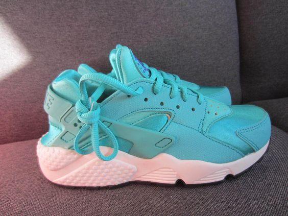 Nike Wmns Air Huarache Run 634835-401 light Retro Vert
