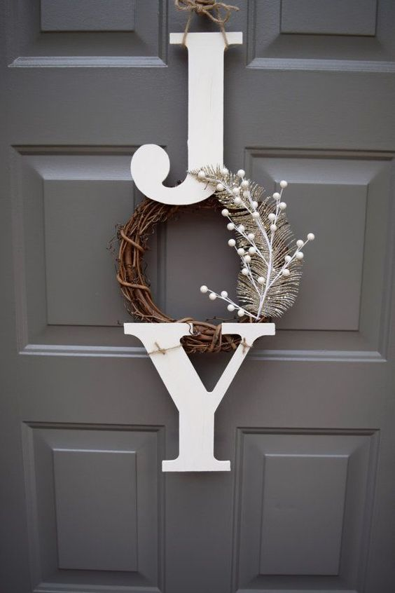 This farmhouse inspired Christmas hanger is the perfect addition to your festive front door! With its rustic touch, this sign gives off an inviting look to your home. This wooden hanger is made of two wooden letters painted and slightly sanded for a rustic look. The letters are waxed to ensure longevity. A 6 rustic branch wreath was added, and lastly a golden feather and white berries to complete the whimsical piece. The Christmas hanger measures at approximately 25 long and 11 wide Please ...