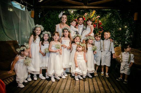 Casal e as daminhas e pajens - Casamento Roberta Abagge e Guilherme Sarmento