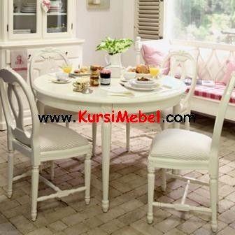 Set Kursi Meja Makan Putih Duco Jepara merupakan kursi mebel yang sangat modern saat ini karena set kursi makan ini sangat mewah untuk tempat makan bersama keluarga anda.Set Kursi Meja Makan Putih Duco Jepara sangat cocok untuk ruang makan anda.Set Kursi Meja Makan Putih Duco Jepara ini sangat nyaman untuk digunakan oleh keluarga tercinta anda.