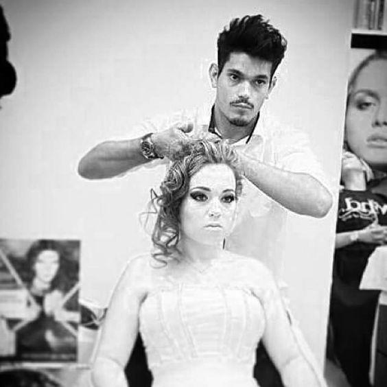 Noiva dos sonhos #cabelos #hair #hairstyle #blond #blondhair #loirodossonhos #redken #tratamento #noiva #bride #fiancee #penteado