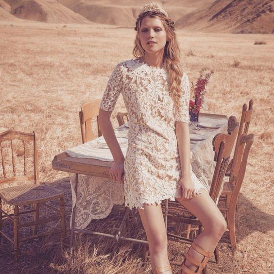 Country wedding inspiration by @freepeople  #boho #bohemian #country #rustic #wedding #weddinginspo #bohobride #bohostyle #bohofashion #bohochic #bohoblog #gypsy #gypsystyle #gypsyfashion #indie #hippie #vintage #fashionblogger #fashion #inspiration #shabbychic #accessoires #lace
